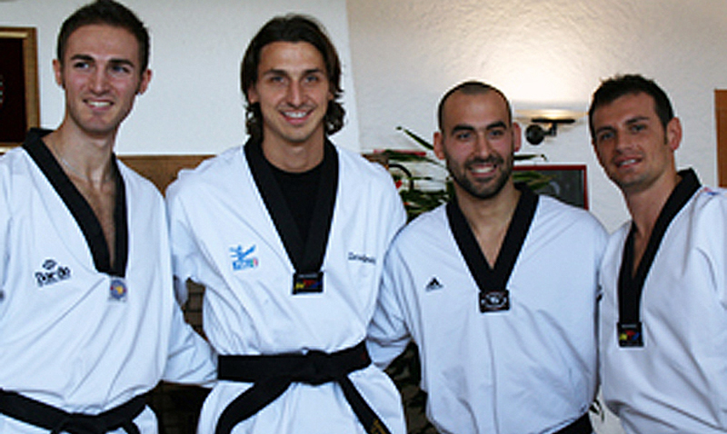 Zlatan Ibrahimović recibió su cinturón negro en Italia
