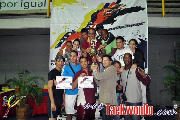 2011-03-02_III-Open-de-Venezuela_Taekwondo_Premiacion_16