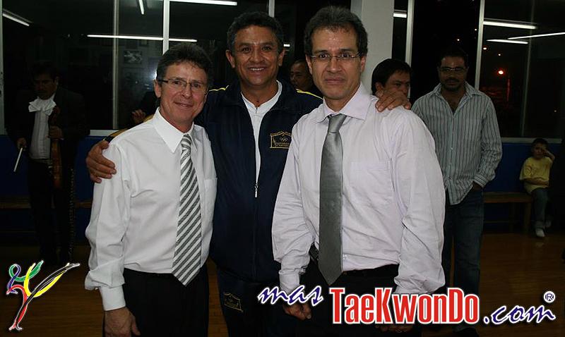 Jaime De Padros, Reinaldo Salazar y Oscar Mendiola años después de aquel histórico día.