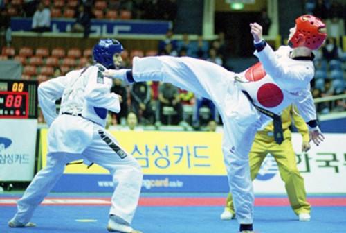 2001-Jeju_Combate
