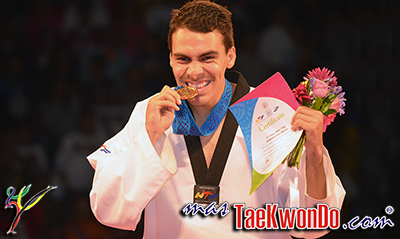 El flamante Campeón del Mundo por México de la división de -80 Kg. alcanzó el máximo galardón que otorga el deporte mexicano: el Premio Nacional del Deporte.