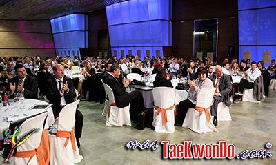 El pasado sábado 16 de noviembre la Federación Balear de Taekwondo celebró la Cena Homenaje al Taekwondo Balear. Donde se dieron cita más de 350 personas, entre deportistas, técnicos, árbitros, dirigentes deportivos, autoridades políticas y medios de comunicación.