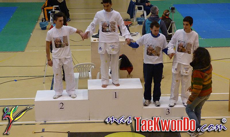 podium 54 con medallas_