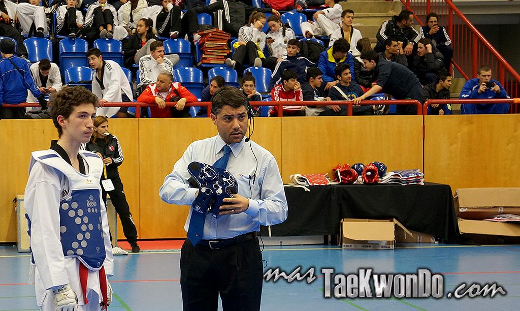 En el Open de Trelleborg que tuvo lugar el pasado 8 y 9 de febrero de 2014 y reunió alrededor de 1250 competidores de 47 países, en las categorías senior, junior, cadete e infantil; se realizó la prueba del casco electrónico de Daedo en la categoría junior (398 competidores), que se disputó en 4 áreas.