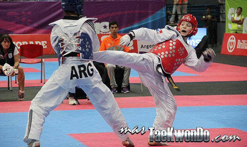 Galería de fotos del Taekwondo de la categoría FEATHER en el tercer día de competencia durante la decima edición de los Juegos Suramericanos realizados en Santiago de Chile entre 14 países de la región. Nuestro deporte participa del 16 al 18 de marzo de 2014.