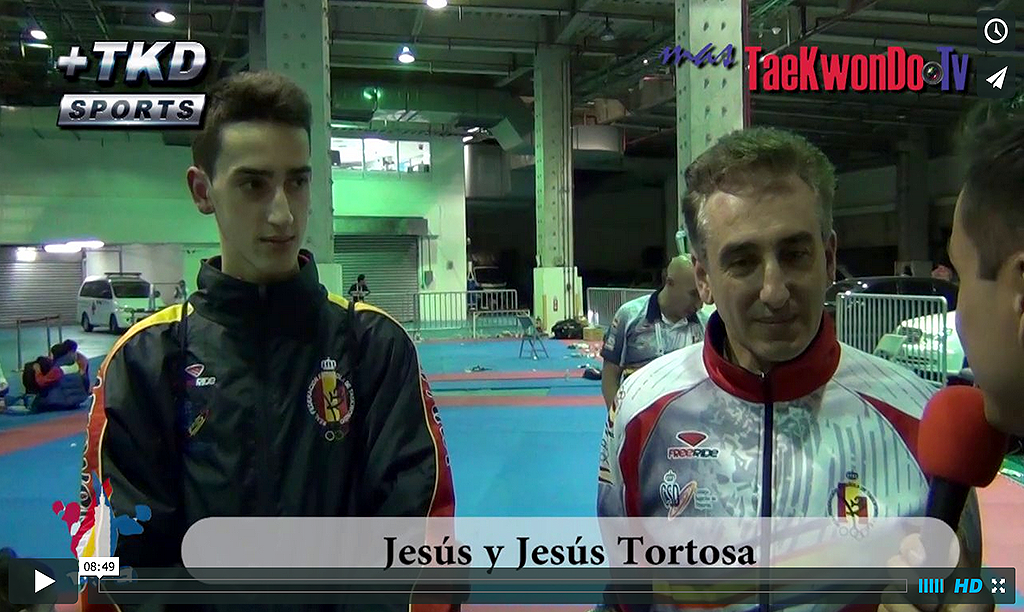 """MasTaekwondo TV conversó en exclusiva con Jesús Tortosa (padre e hijo), ya que en el recientemente finalizado Clasificatorio Olímpico Juvenil """"Taipei 2014"""", Jesús Tortosa consiguió la clasificación con su padre apoyándolo desde la silla de coach."""