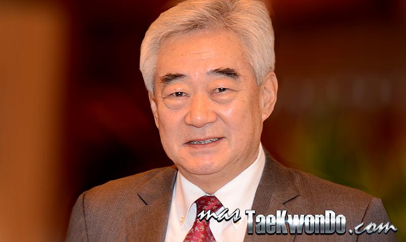 Hoy 9 de junio de 2014, el Dr. Chungwon Choue cumple diez años al frente de la WTF, una década en la que ha sabido cambiarle la cara y popularizar este deporte como nunca antes se había llegado a hacer. La confirmación para los Juegos Olímpicos de 2020 fue el broche de oro.
