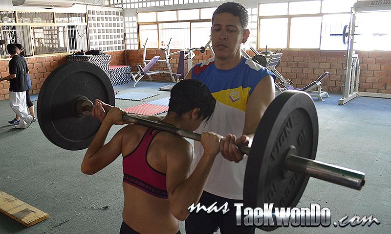 Atleta Virginia Dellan de Venezuela F-49kg