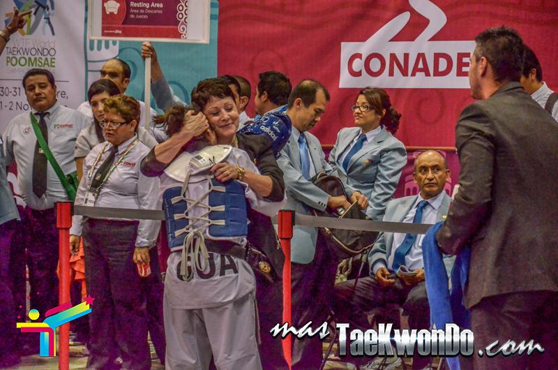 Elizabeth Zamora (GUA) festejo con Maria Borello, Panamericano 2014