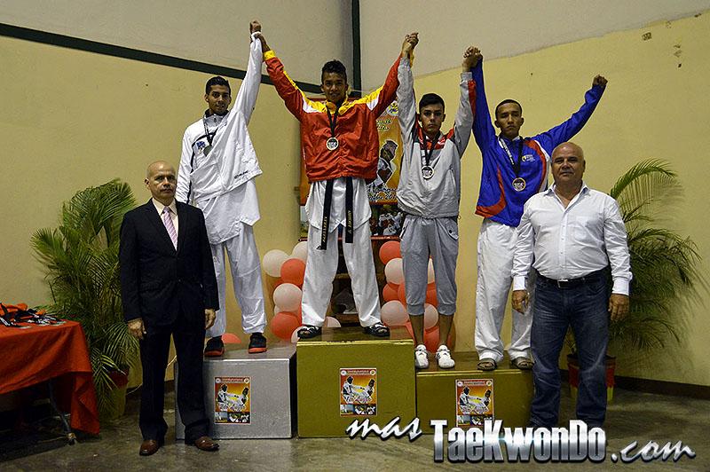 Podio M-54, II Válida Nacional Campeonato Absoluto de Taekwondo