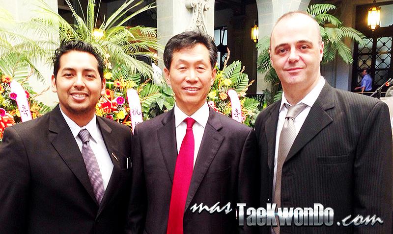 Embajador de Corea en Guatemala, Sr. Choo Yeon-Gon junto a masTaekwondo.com