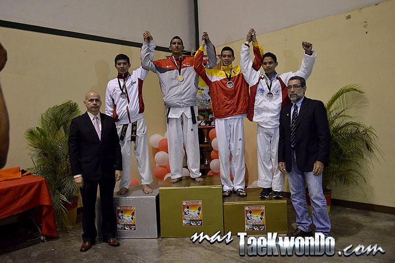 Podio M-58, II Válida Nacional Campeonato Absoluto de Taekwondo