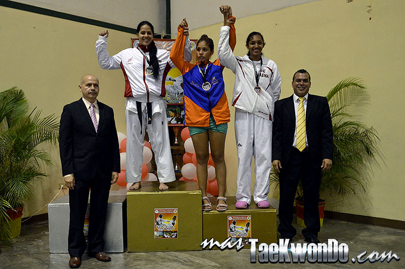 Podio F-67, II Válida Nacional Campeonato Absoluto de Taekwondo