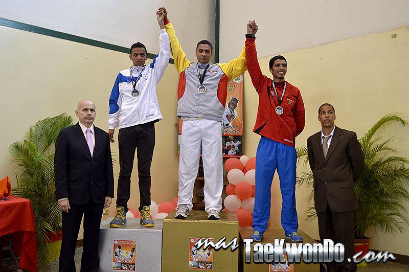 Podio M-68, II Válida Nacional Campeonato Absoluto de Taekwondo