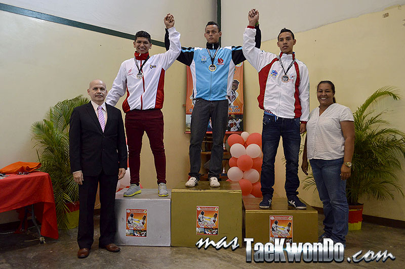 Podio M-74, II Válida Nacional Campeonato Absoluto de Taekwondo