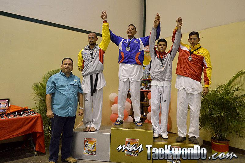 Podio M-80, II Válida Nacional Campeonato Absoluto de Taekwondo