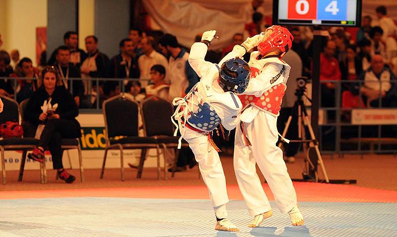 Combate infantil de Taekwondo