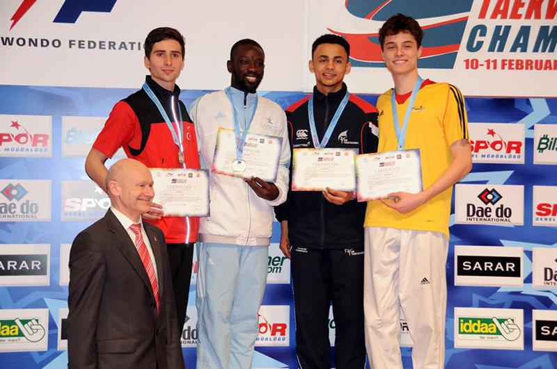 Podio M-68 del 3rd European Taekwondo Club Championships