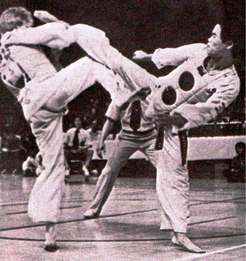 Pablo-Arizmendi_VS_Chong-Kim-Ki_Mundial-1979_