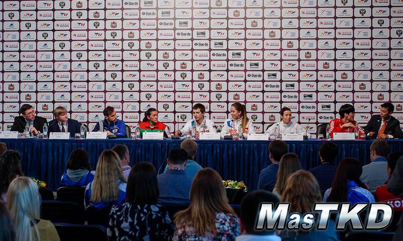 Conferencia-de-prensa_02_