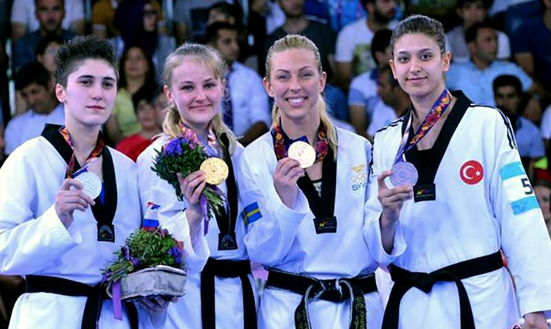 Baku2015_PodioF-67_ taekwondo