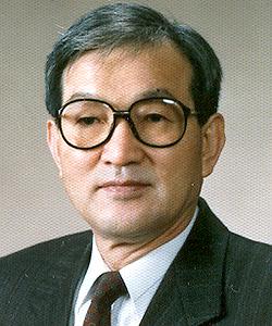 Grand-Master_Lee-Chong-Woo