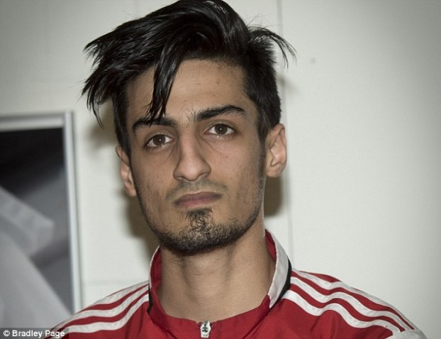 3287B86E00000578-3508455-Mourad_Laachraoui_pictured_who_represents_Belgium_in_Taekwondo_s-m-66_1458853883315
