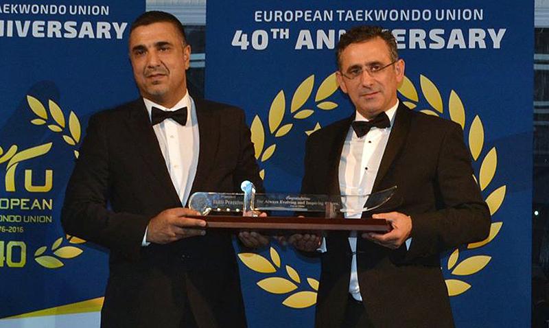 Usman Dildar recibe merecido nombramiento
