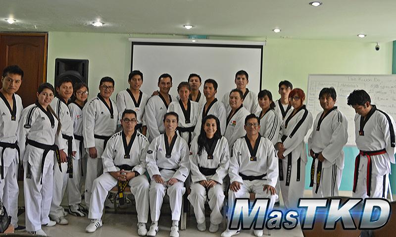 Bolivia comienza a nivelar a sus entrenadores