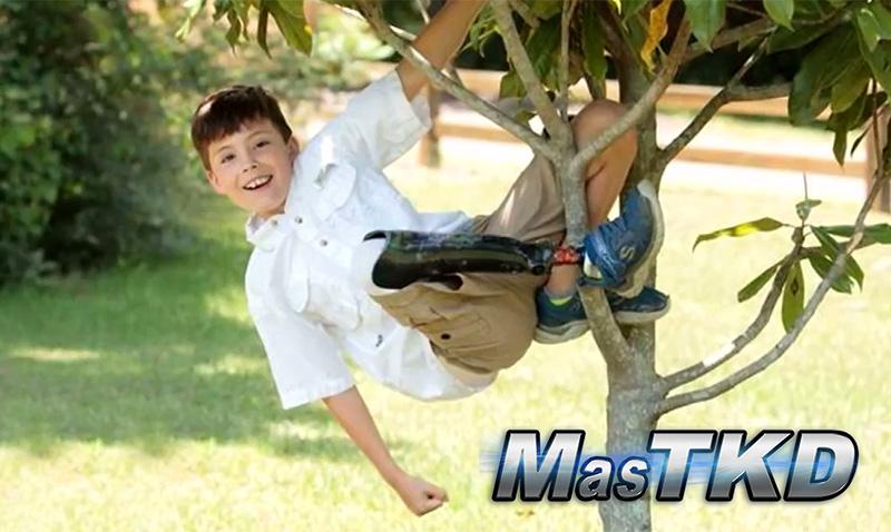 Niño sin una pierna llega a cinturón negro