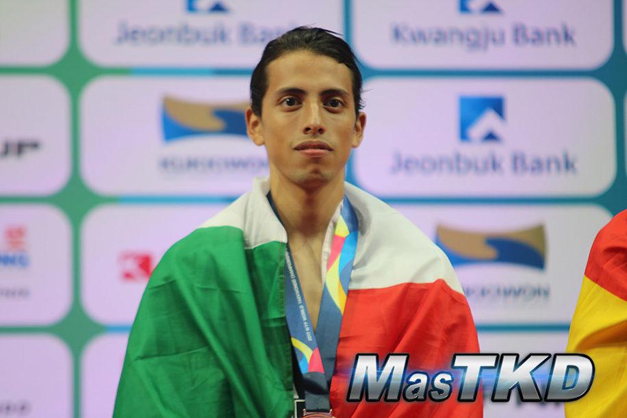 Espinoza deja de entrenar con selección mexicana