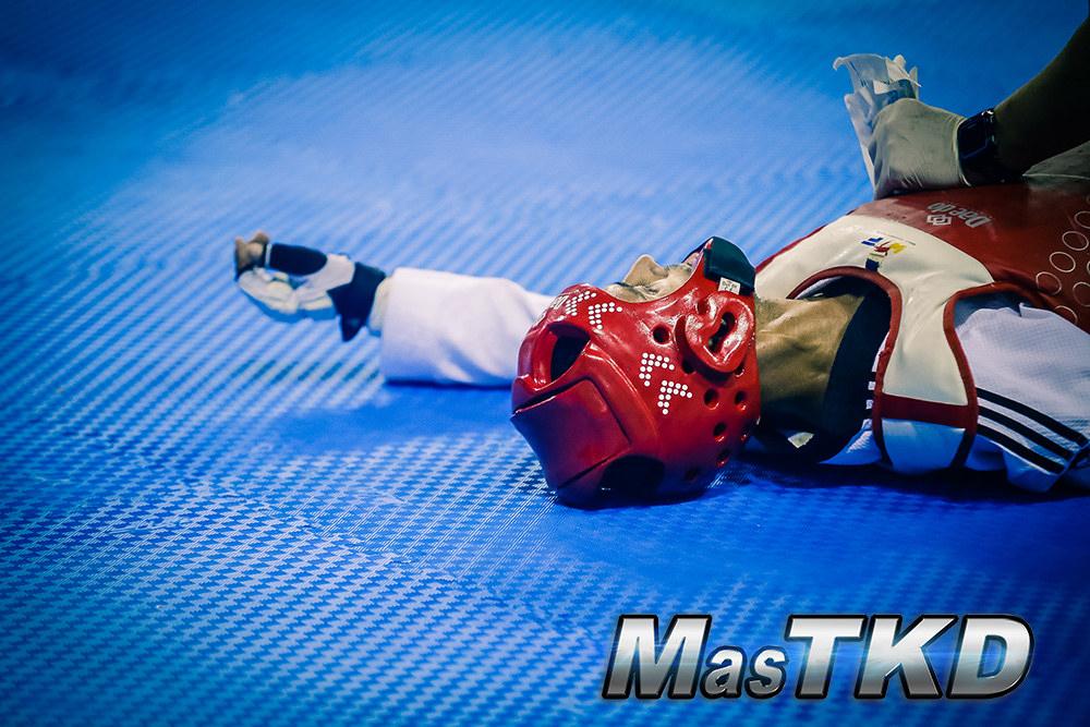 20180131_Taekwondo_competidor_en-el-suelo