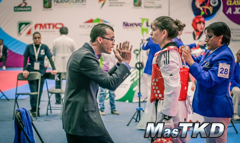 Taekwondo_Coach_Competidora