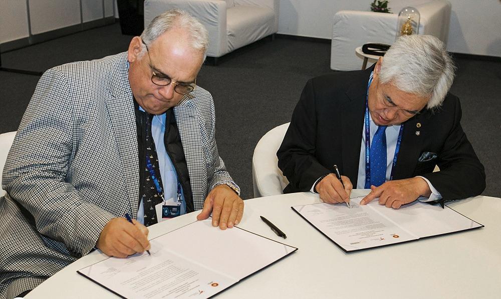 La WT se une a la Federación Mundial de Lucha para promover la paz