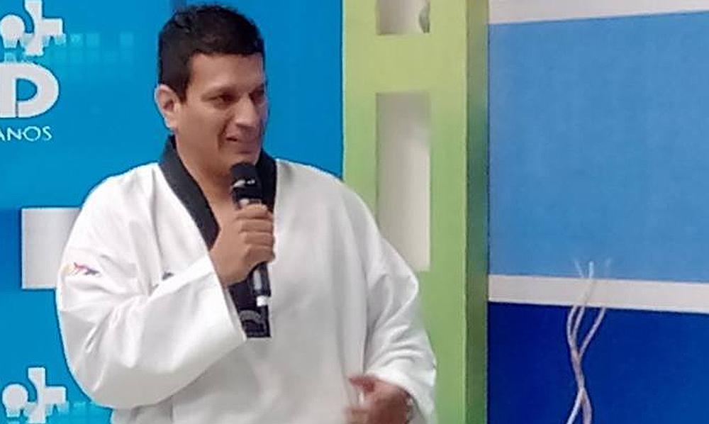 Barco peruano queda a la deriva: Secretario General de la FDPT renuncia