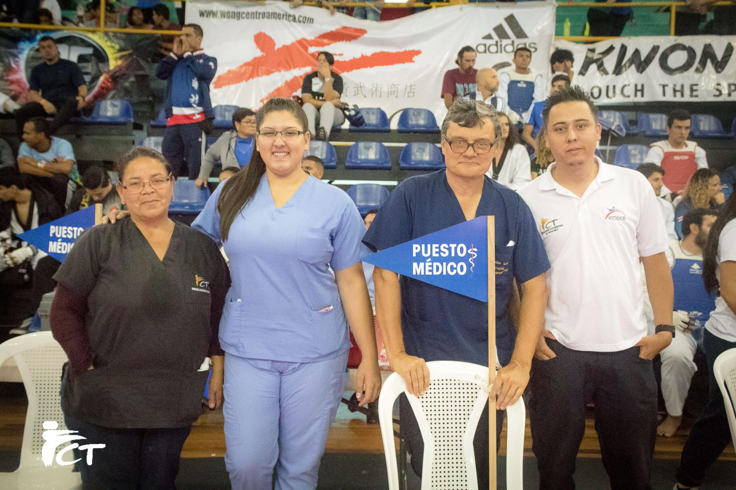 Alexander Lotarev con parte de su equipo trabajo en el Selectivo Nacional de Costa Rica. Foto: Esteban Mora/FCT. Cortesía