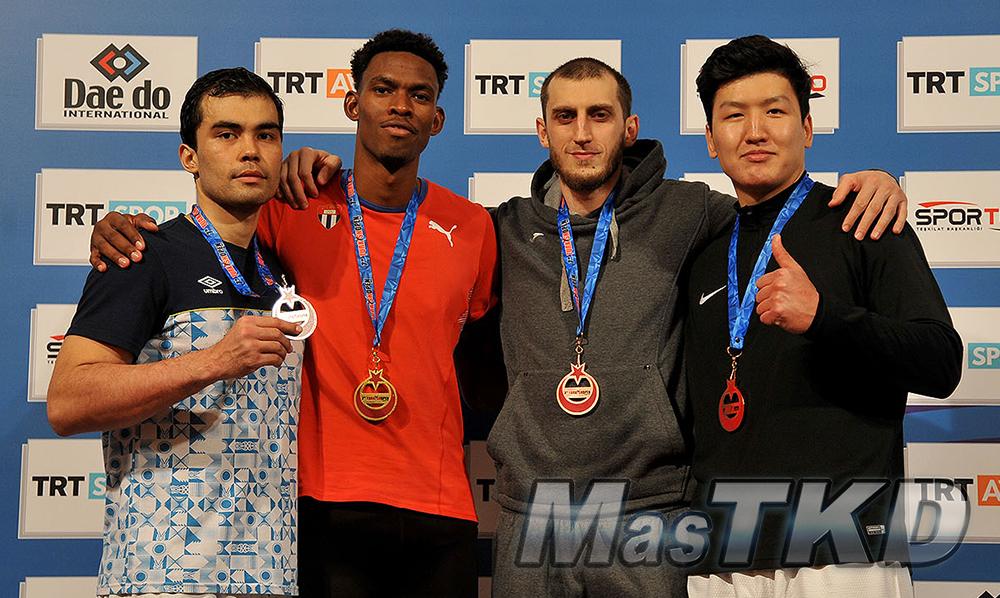 Podio-Mo87_MasTKD_7th-Turkish-Open-Taekwondo-Tournament