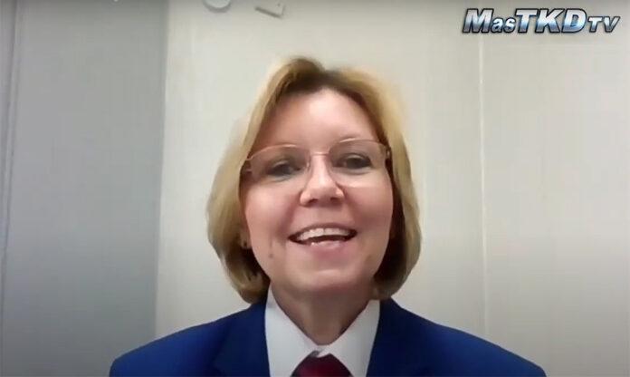 Barbara Marian dicta curso de arbitraje más grande de la historia