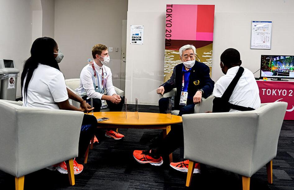 World Taekwondo President meets Paralympic Refugee Team member Parfait Hakizimana