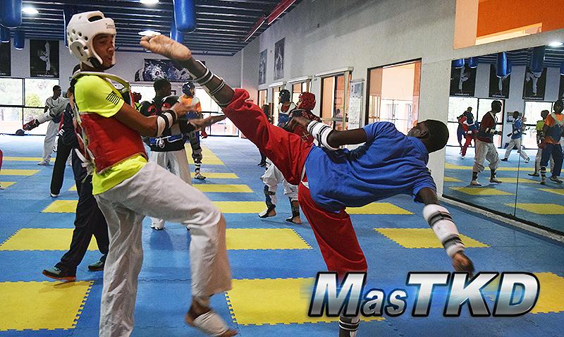 Selección de Taekwondo de República Dominicana en La Loma de cara al Mundial de Muju
