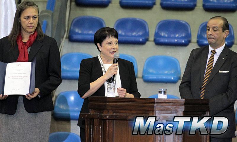 COI reconoce labor de miembro ejecutivo de WT María Borello
