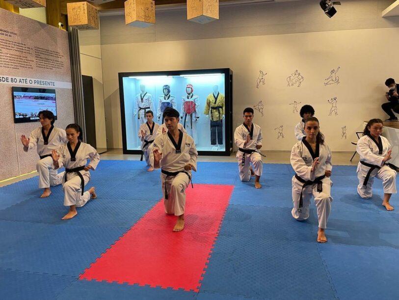Centro Cultural Coreano faz exposição sobre o Taekwondo com personalidades do esporte Nacional
