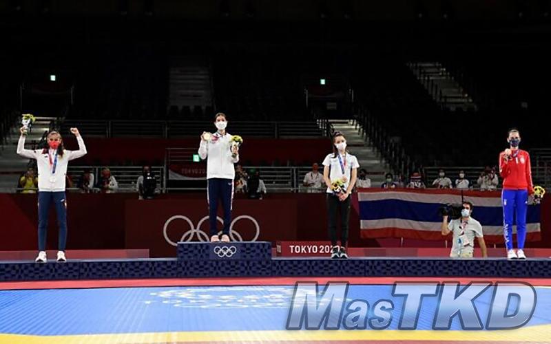 mT_Podium_Tokyo2020_Taekwondo W49KG
